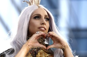 Gaga hearts wine