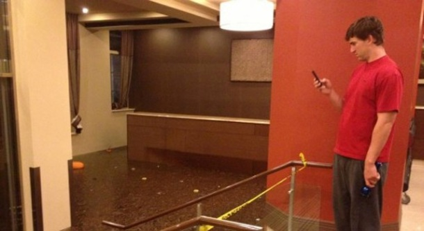 eli manning sandy apartment damage