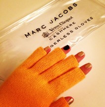 veuve clicquot marc jacobs gloves