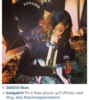 "rihanna ""po's it the phuck up!!!"" backstage"