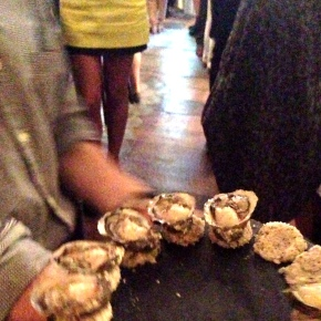 wine with oysters, wine onoysters