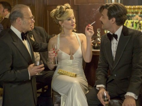 Jennifer-Lawrence hustle champagne