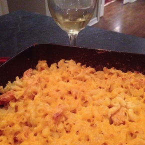 buffalo chicken mac and cheese – with wine
